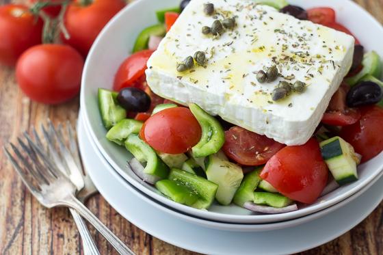 authentic-Greek-salad-horiatiki-4